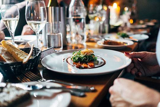 5 Reasons Why You Should Consider Private Party Catering